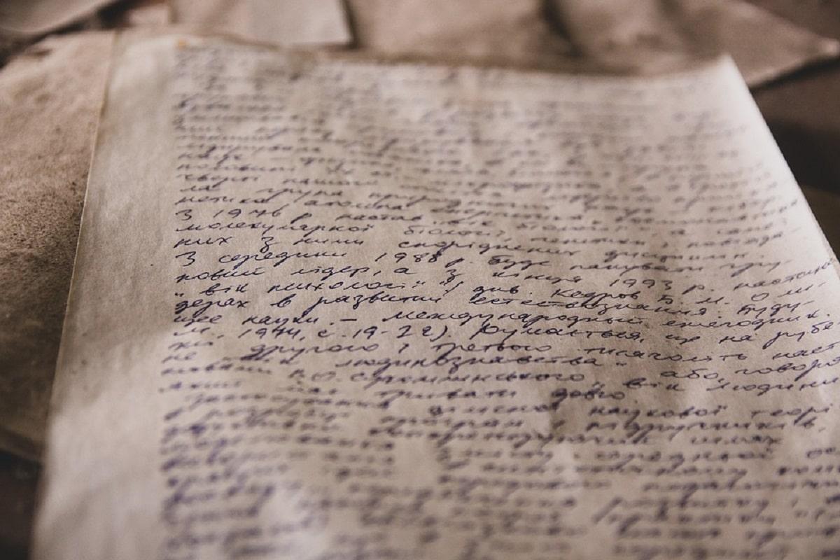 foglio antico scritto a mano