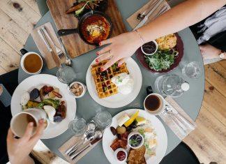 scegliere i cibi della colazione