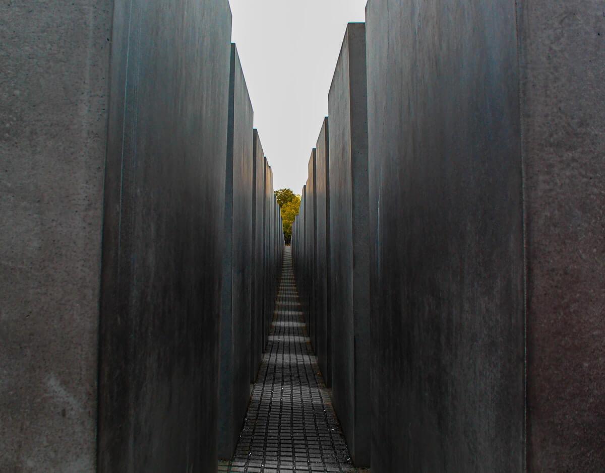 Minotauro-labirinto-dedalo-muri-alti