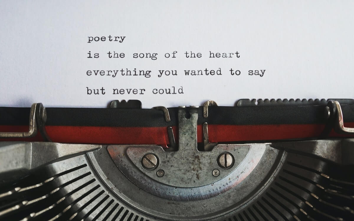 macchina-da-scrivere-poesia