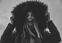 donna che ride