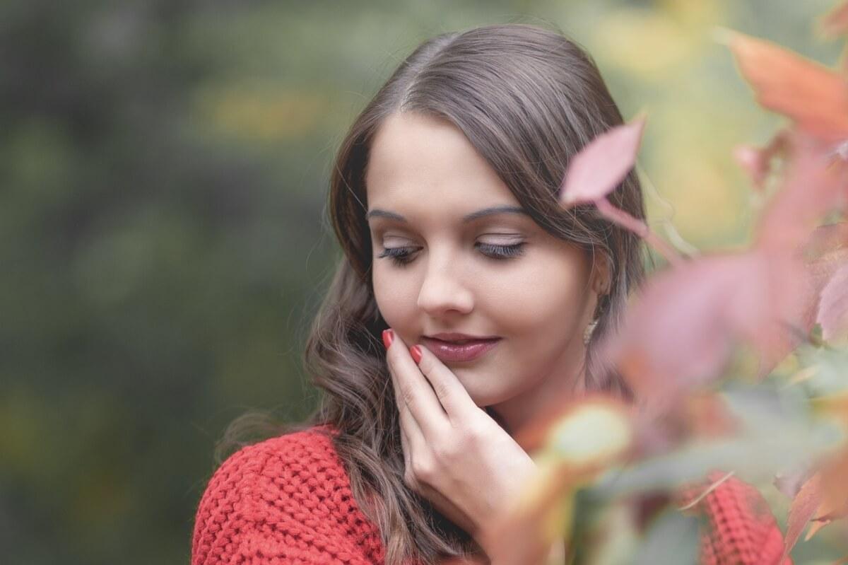 bilancia-donna-bella-e-delicata-autunno
